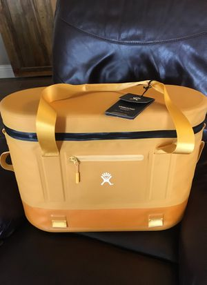 Brand New Hydro Flask cooler for Sale in Clovis, CA
