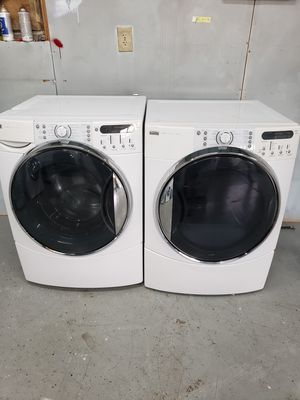 Kenmore washer and dryer steam front load in good condition noting wrong for Sale in Gallatin, TN