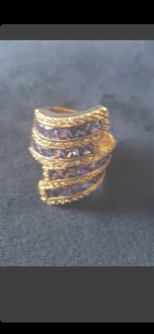 UNIQUE VINTAGE RING- NOT REAL GOLD - SZ 9 for Sale in Delray Beach, FL