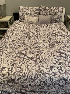 Queen comforter set for Sale in Sumner, WA