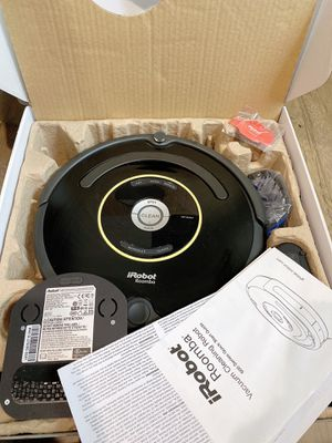 iRobot Roomba 650 Vacuum Cleaner Robot w Charging Dock & Box automatic robotic for Sale in Los Angeles, CA