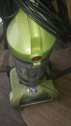 Hoover Wind Tunnel Dluxe Vacuum for Sale in Fairfax, VA