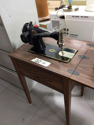 Sewing machine for Sale in Hollywood, FL