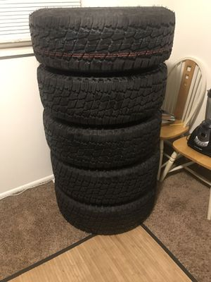 285/70R17 on Jeep wheels for Sale in Orem, UT
