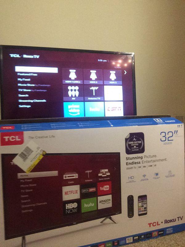 """32"""" TCL. Roku Smart TV."""