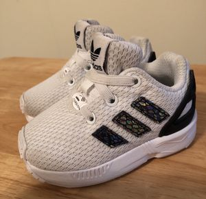 Shoes Adidas for baby's, size 4 in like new condition for Sale in Stone Mountain, GA