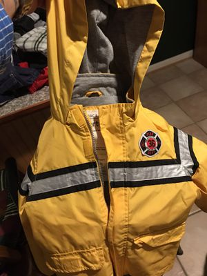 Size 4T lined rain jacket- Excellent Condition! for Sale in Fredericksburg, VA
