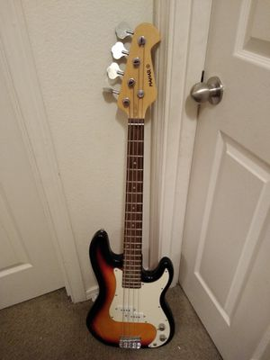 Bass guitar for Sale in Portland, OR