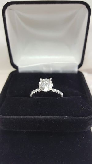 2.5 carat solitaire diamond ring with accents for Sale in Nashville, TN
