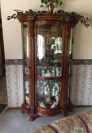 Curio cabinet for Sale in Doniphan, NE
