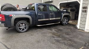 2007 Chevy silverado for Sale in Lowell, MA