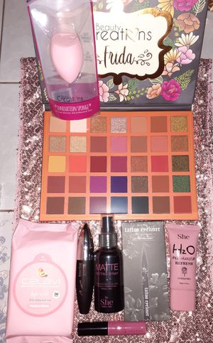 Makeup bundle for Sale in Fresno, CA