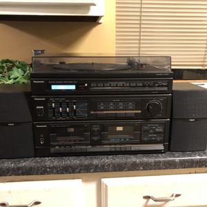 "Vintage PANASONIC stereo system. Turntable, cassette and am fm radio includes 2 speakers ""works"". 212 North Main Street. Buda. for Sale in Austin, TX"
