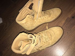 Wheat pumas 8.5 for Sale in Tampa, FL