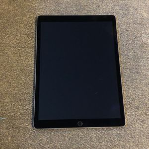 """IPad Pro 12.9"""" Space Gray 256GB + Smart Keyboard for Sale in Port Orchard, WA"""