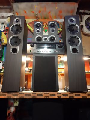 Denon 5.1 surround sound with polk subwoofer and matched set of 5 JAMO speakers in the origanal box they came in for Sale in Federal Way, WA