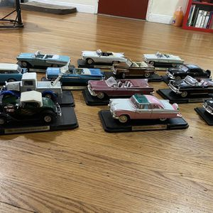 Antique Car Model Collection - Can Ship Nationwide for Sale in Miami, FL