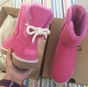 UGG authentic Selene rope bow boots Sz 8 new for Sale in Los Angeles, CA