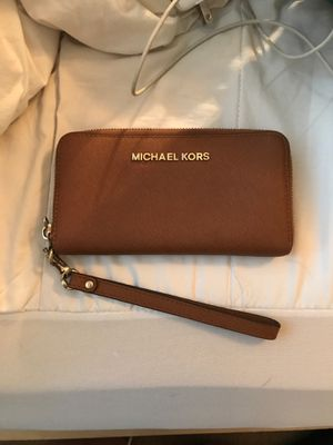 Michael Kors Wristlet for Sale in Vancouver, WA