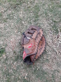 Rawlings First Base Glove for Sale in West Covina,  CA