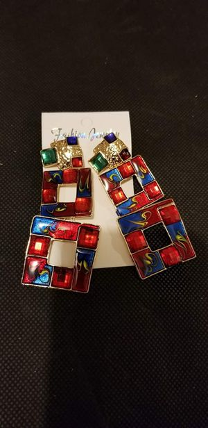 VINTAGE COLORFUL EARRINGS for Sale in Martinsburg, WV