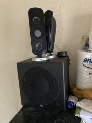 4-6 in sub with speakers and control volume and aux for Sale in Lakewood, CO