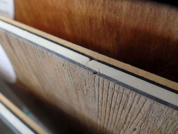 Interlocking Luxury Vinyl Planks