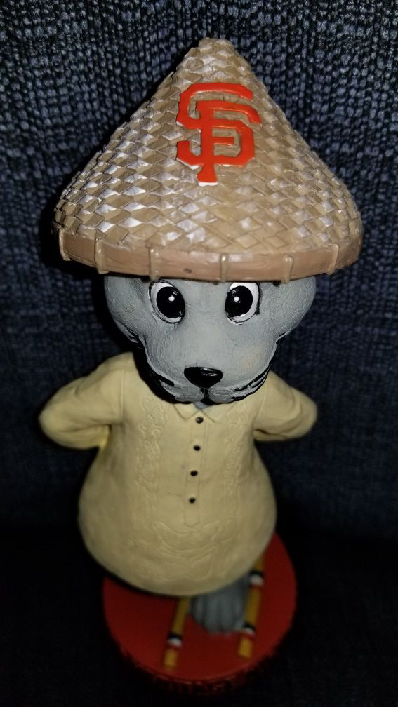 San Francisco Giants Rare 2014 Filipino Heritage Night Bobblehead Lou Seal Limited Collector's-Edition Brand New SGA Tinikling