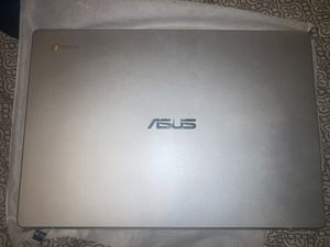 ASUS 2020 Chromebook With charger for Sale in Chicago, IL