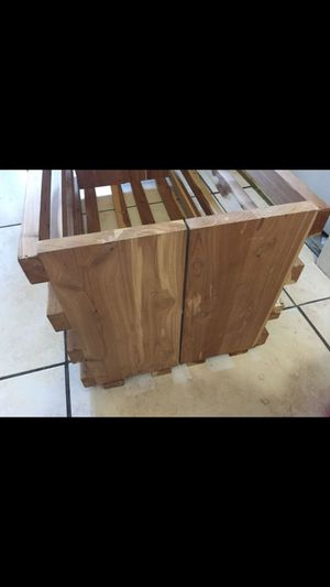 Wood storage crate. Great for books 📖 for Sale in Miami, FL