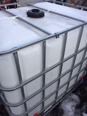 330 Gallon Containers for Sale in Grosse Pointe Park, MI