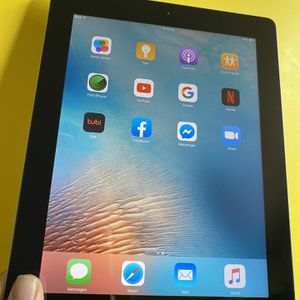 """Apple IPad 2 (9.7"""" HD Display / 2 front & Back 📷 camera) 16GB with complete Accessories (youtube/Netflix/Facebook installed). for Sale in El Monte, CA"""