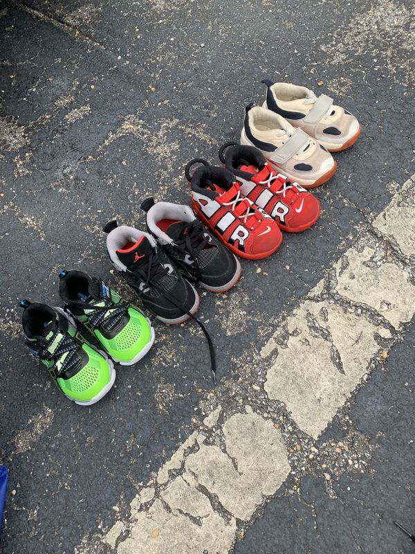 Toddler shoes size 8c sketchers glow up selling everything together for 40.00