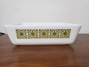 Square Verde fridgie pyrex for Sale in Lathrop, CA