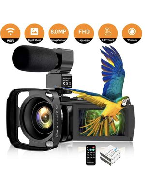 New video camera with mic and accessories for Sale in Portland, OR