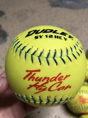 🥎🥎 Softballs $2 each! 🥎🥎 for Sale in Poway, CA