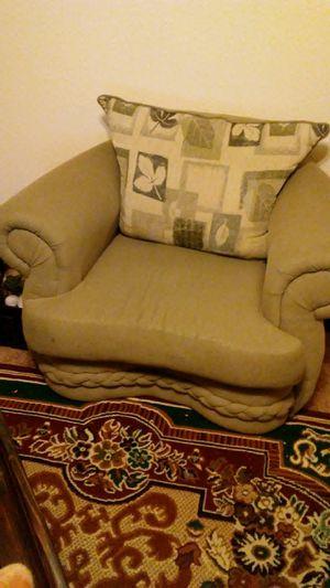 Free sofa for Sale in Auburn, WA