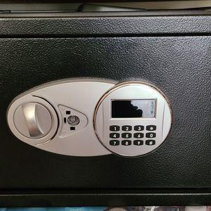 Amazon basic safe 1.2 Q.f for Sale in Everett, WA