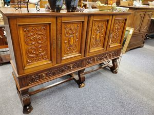 Beautiful antique european cabinet. Drastically reduced from 1200 to 395. for Sale in Parkland, FL