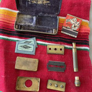 1900s Antique Gillette Razor Kit In Case Vintage COMPLETE HTF Rare Gold Tone for Sale in Hermosa Beach, CA