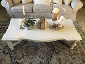 Gorgeous French farmhouse style coffee table for Sale in Stockton, CA
