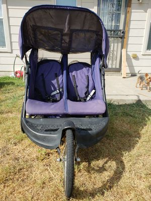 Double jogger stroller for Sale in Del Valle, TX