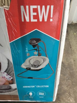 Graco baby swing for Sale in Detroit, MI