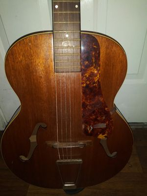 1940s vintage Biltmore Savoy guitar for Sale in Bartow, FL