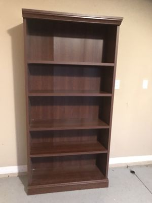 Book shelf good condition for Sale in Port Charlotte, FL
