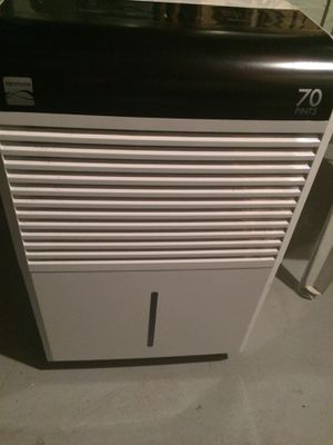Kenmore Dehumidifier 70 pint for Sale in Lawrence Township, NJ