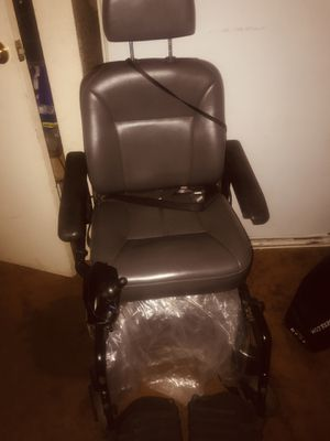Pronto Wheelchair (Electric) with right hand side Joystick for Sale in Bell Gardens, CA