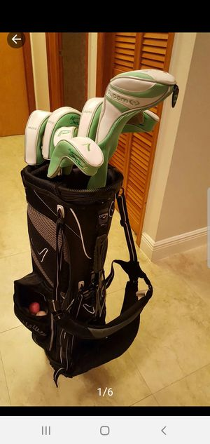 7 piece set ladies golf club set. Cleveland Hibore Bloom for Sale in Hialeah, FL