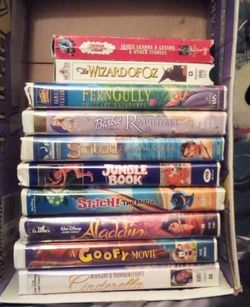 10 Kids VHS Movies Lot Bundle for Sale in Fresno,  CA