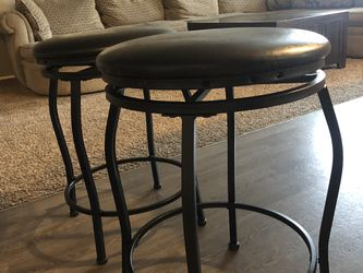 Black Rotating Bar Stools for Sale in Bonney Lake,  WA